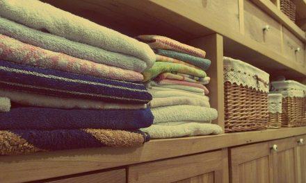Como remover cheiro dos armários