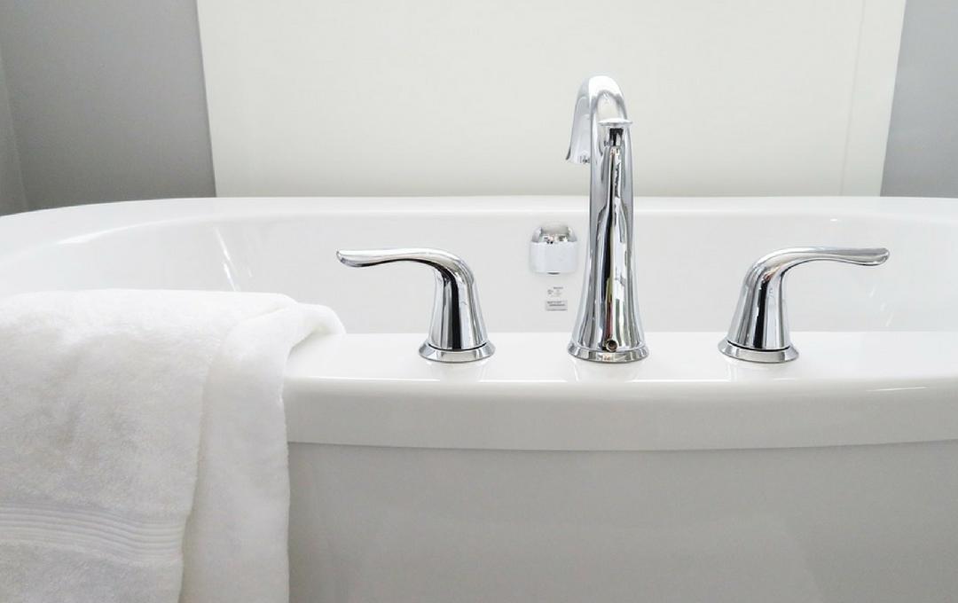Como limpar um banheiro rapidamente